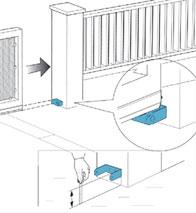 Установка ролика заглушки на откатные ворота