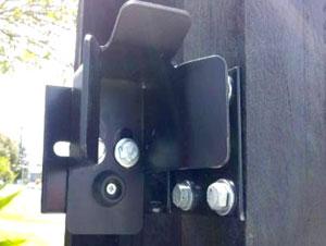 В качестве альтернативы типовому верхнему ловителю могут использоваться роликовая направляющая или перевернутый нижний ловитель